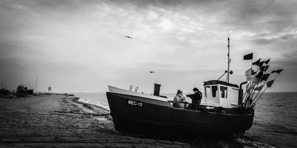 fisherman\'s boat by mogobiker