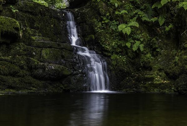 Henrhyd Waterfall by nigell