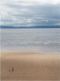 Photo : Fun on the beach.