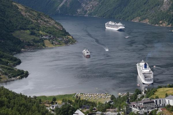 Geirangerfjord by voyger1010