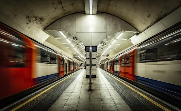 Shepherd\'s Bush Underground Station by nickmoulds