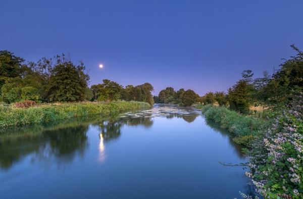 Avon Moonset by NickLucas