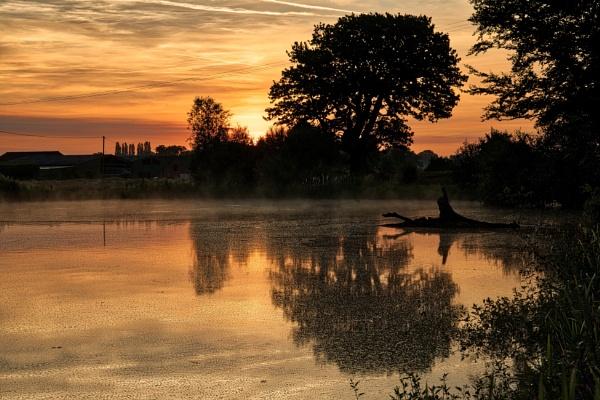 Local sunrise by Ingymon