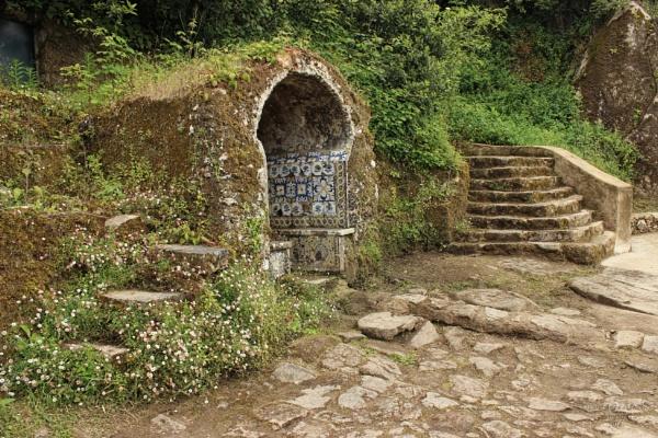 Capuchos Convent, Colares, Portugal by canoncarol