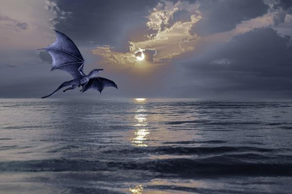 Moonlight Dragon by Wireworkzzz