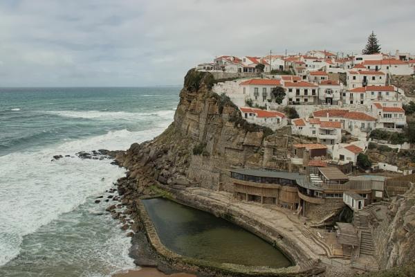 Azenhas do Mar, Portugal by canoncarol