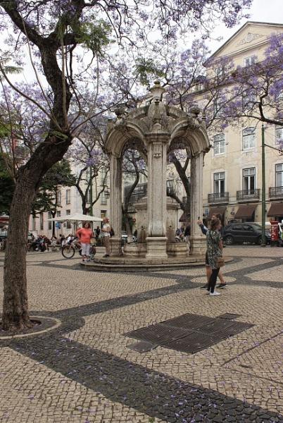 Largo do Carmo, Lisbon by canoncarol