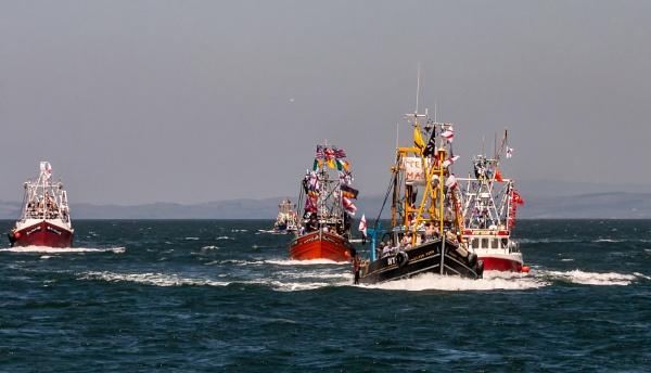 Trawler Race by Sue_R