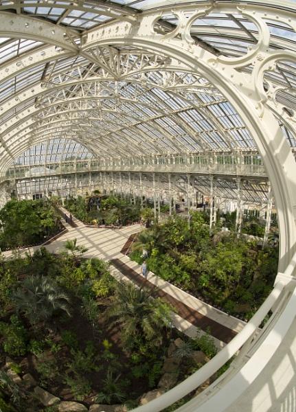 Orderly Kew by dudler