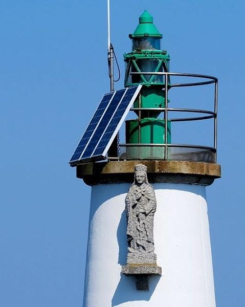 Houat isle lighthouse by jeakmalt