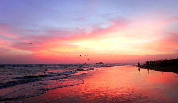 Sun in Bentota, Sri Lank by ksabestman