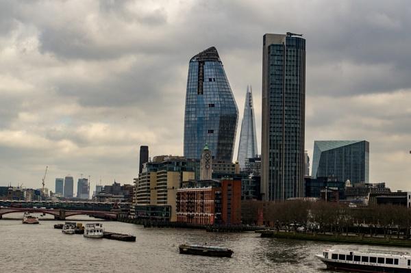 London skyline by philstan