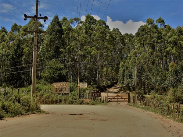BRAZIL-Back Roads Vista No.25 by PentaxBro