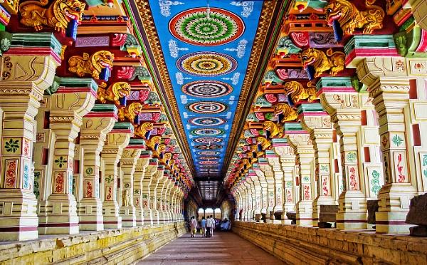 Ramanathanswamy Temple Rameswaram by sawsengee