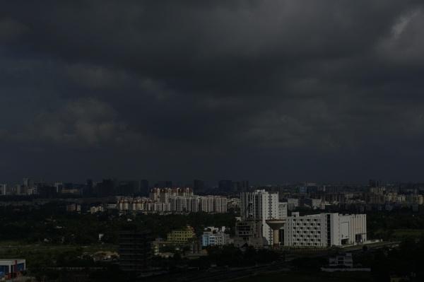 Here comes the Rain by prabhusinha