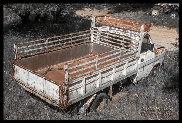 Rusty Transit by IainHamer