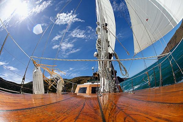 Sailing by eyewhy