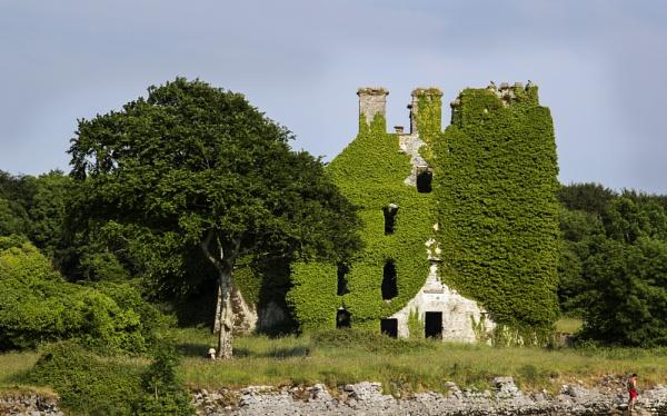 Menlo Castle by Irishkate
