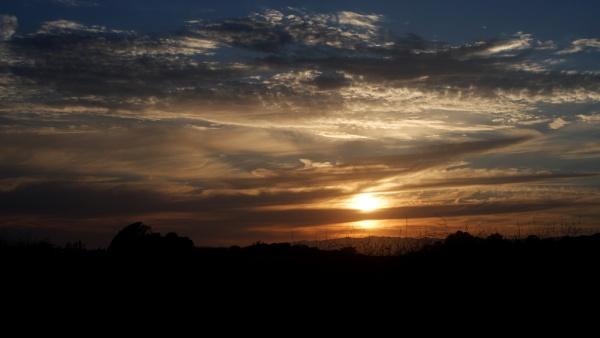 Sunset at Ellwood Masa by louneson
