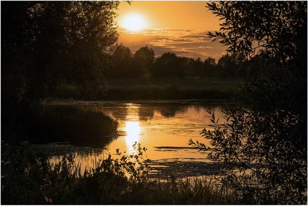 Sunset in Haversham by SpiritDarco