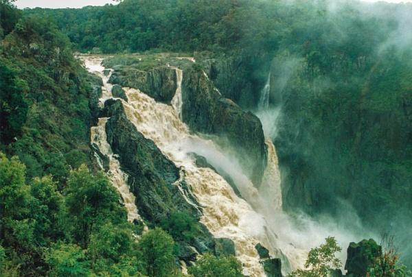 Dirty Waterfall by Wireworkzzz