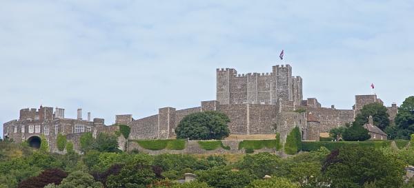 Dover Castle by harrywatson