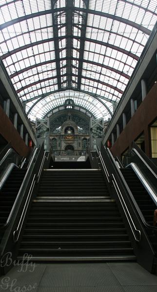 Antwerp Arrival by Bufpuf2009