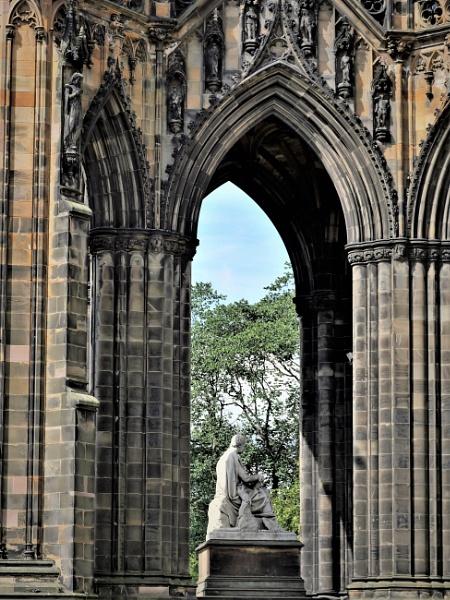 Through The Arch by tom2malta2