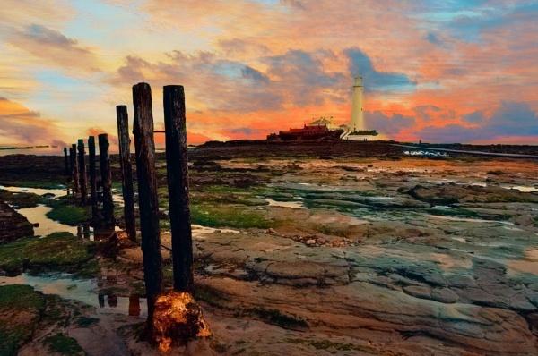 St MaryÂ's Lighthouse by mmart