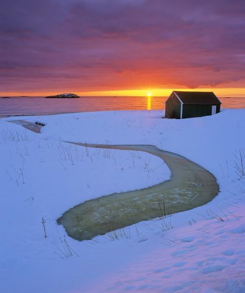 Senja Dali Sunset by hwatt