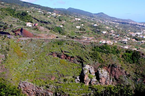 Mountainside by ddolfelin