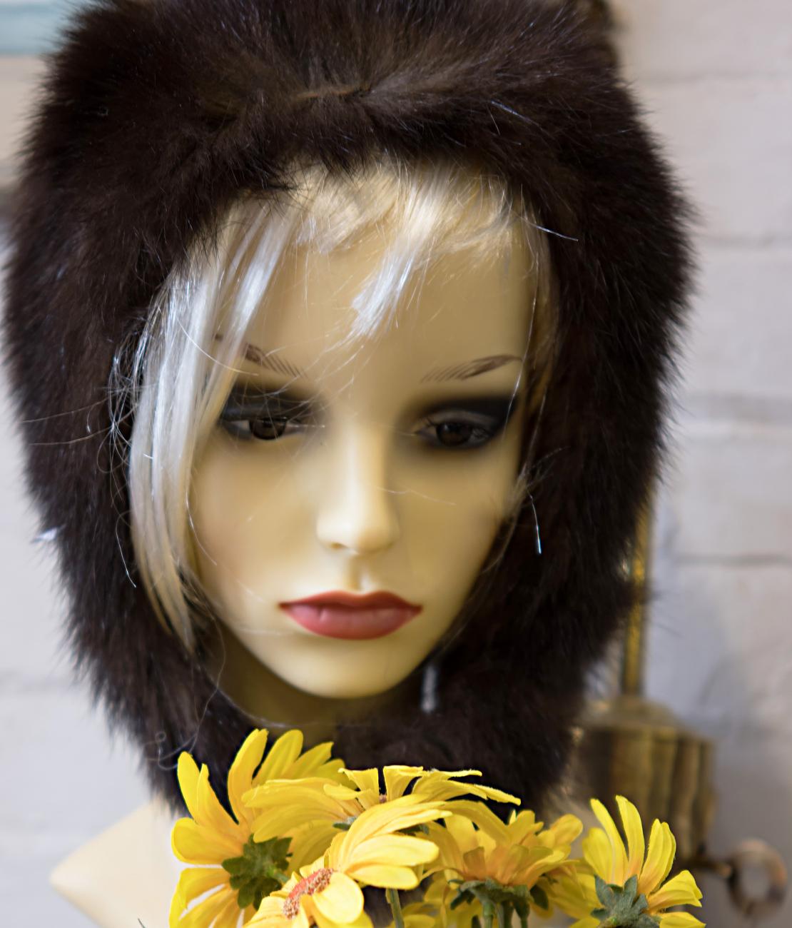 Mannequin avec des fleurs