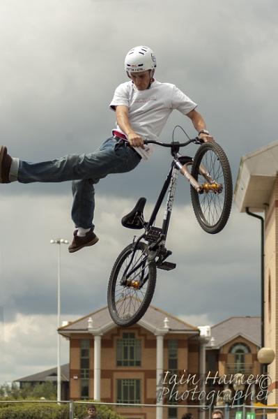 Trick rider by IainHamer