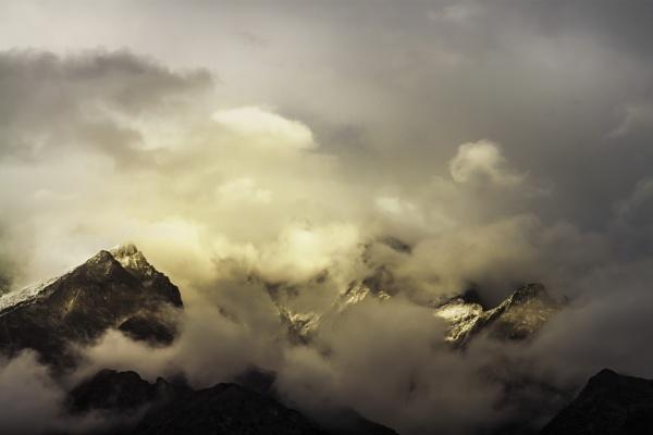 Himalaya (Hide-and-seek) by clicknimagine