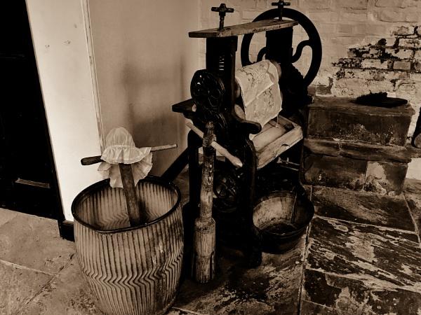 Washday. by Drighlynne