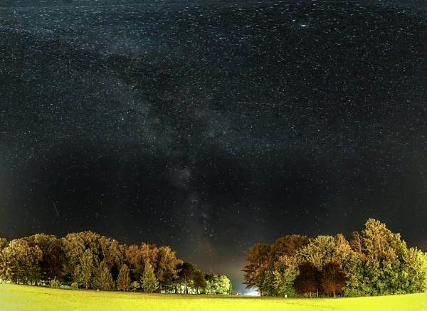 Milky Way by wacrizphoto