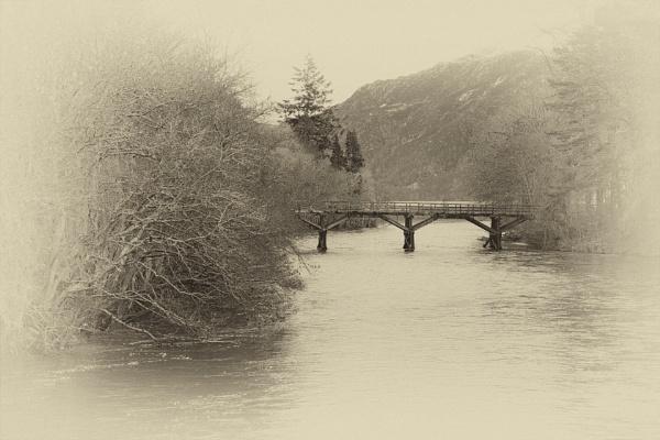 misty river by SOUL7