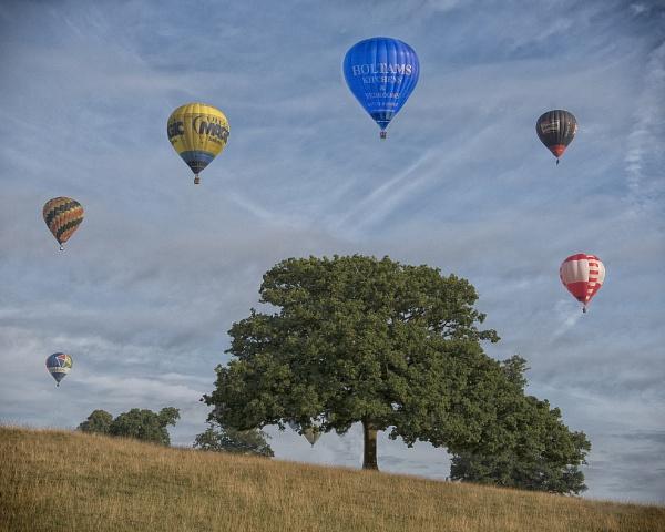 Balloon Halo by Gavin_Duxbury