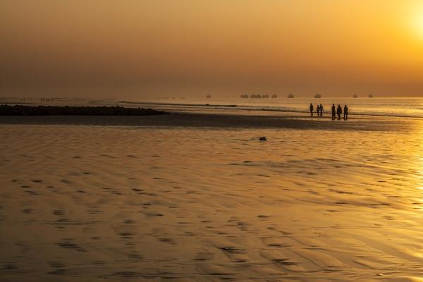 Morning walk... by clicknimagine