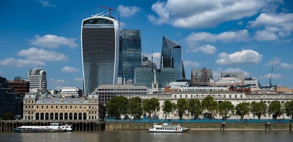 London Skyline.. by 10delboy