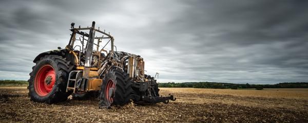 Sad tractor by falsecast
