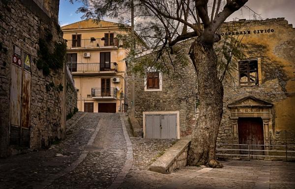 Caccamo---- Sicily (Ospedale Civico) by Edcat55