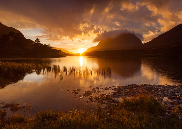 Loch Clair by PaulHolloway