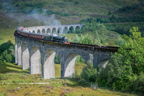 Glenfinnan Viaduct by jasonrwl