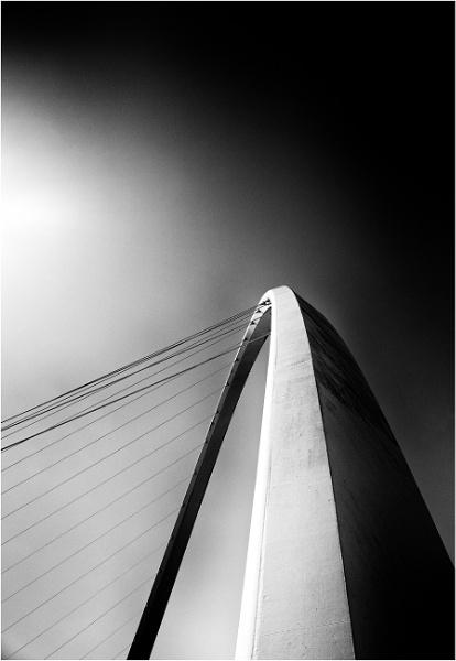 Geordie III - the Gateshead Millennium bridge by saltireblue
