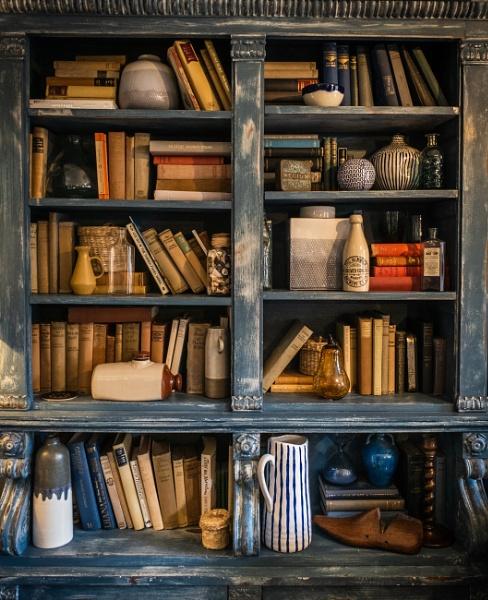Book Shelf by BydoR9