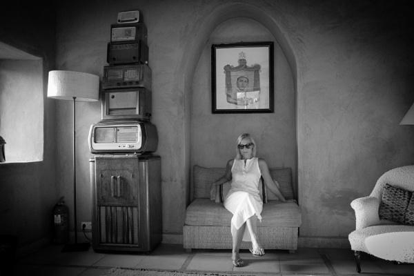 Listening Room by malum