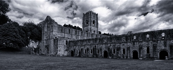Fountain Abbey by pablo69