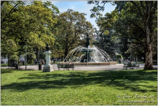 Jardin Anglais by TrevBatWCC