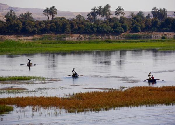 Fishing on the Nile .. by chrisdunham
